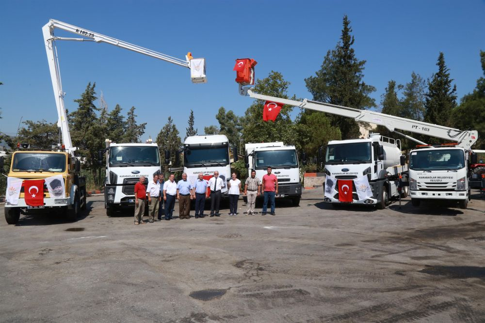 Karabağlar Belediyesi'nin araç filosu gücüne güç kattı