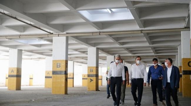 Başkan Batur sözünü tuttu: Kahramanlar Kapalı Pazaryeri ekimde açılıyor!