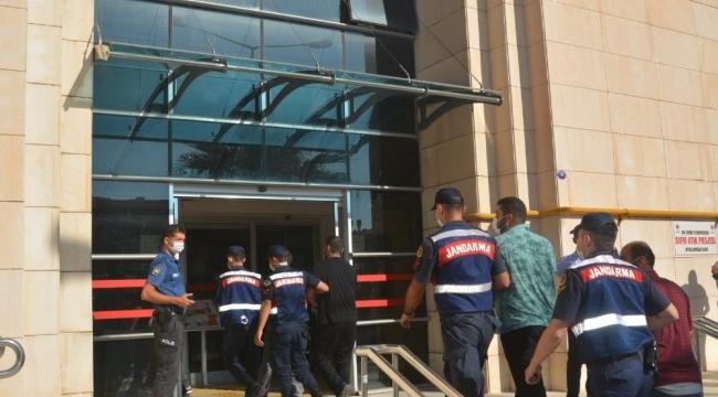 İzmir'de 2 milyon 500 bin TL'yi zimmetine geçirdiği iddia edilen şüphelilere gözaltı