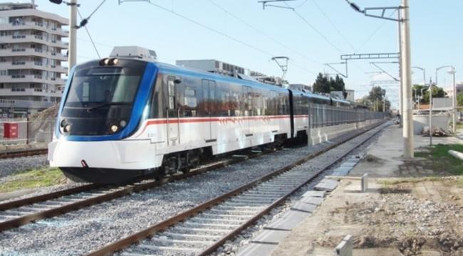 İzmir'de korkunç son: Metroda ölüme atladı!