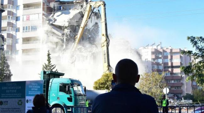 Depremin ardından kritik uyarı!  Yıkım çalışmalarında kimyasal tehdit!
