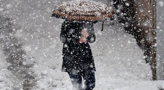 Ege'ye yılın ilk karı yağdı