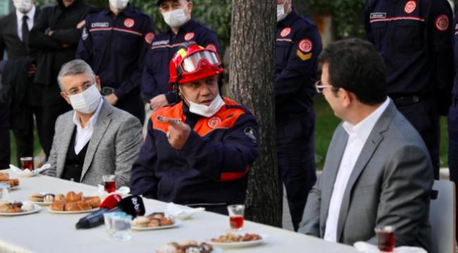 Ekrem İmamoğlu, İzmir depreminde görev alan itfaiyecilerle buluştu