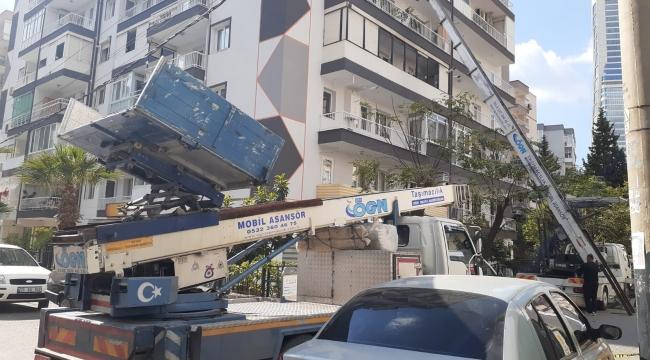 Farklı şehirlerden nakliyeciler İzmir'e geldi