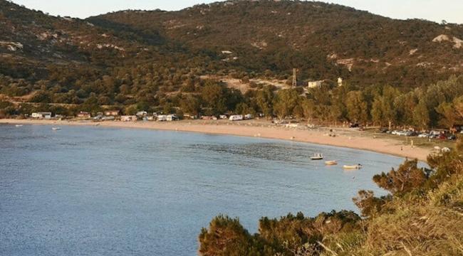 Halkın itirazı kazandı: Foça'da Kumburnu Plajı'nın satışı iptal!