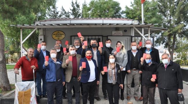 İzmirli muhtarlardan Toroğlu'na 'kırmızı kart'lı tepki: Romanlardan özür dilesin!