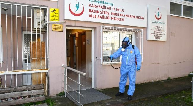 Karabağlar Belediyesi aşı merkezlerini dezenfekte ediyor!