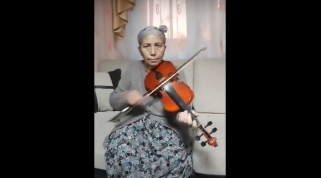 Menemenli Elif Teyze'nin videosu paylaşım rekorları kırdı!