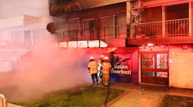 İzmir'de korkutan yangın! Bir işyeri kullanılamaz hale geldi