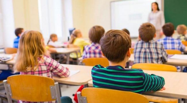 """Tam kapanma sonrası """"normalleşme"""" takvimi: Önce okullar açılıyor"""