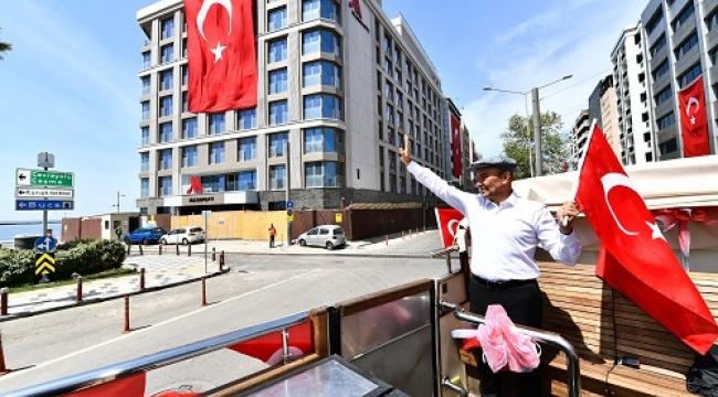 İzmir'de 23 Nisan coşkusu evlere taşındı!
