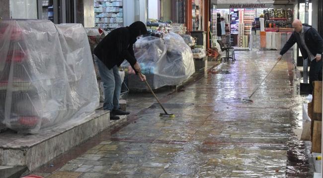 İzmirli selzede esnaflardan hükümete 'destek' çağrısı!