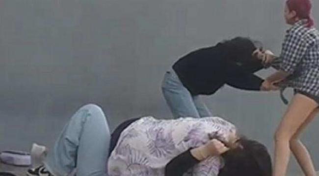 İzmir'de 'fenomen' olmak için iki kişiyi döven çocuklara gözaltı!