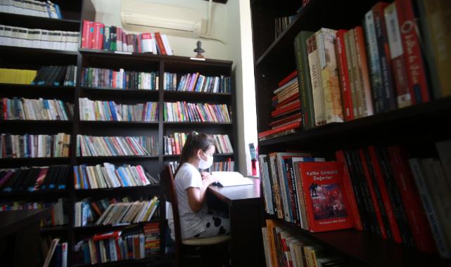 Karabağlar'da çocuklar Reşat Nuri Kitaplığı'nda buluşuyor