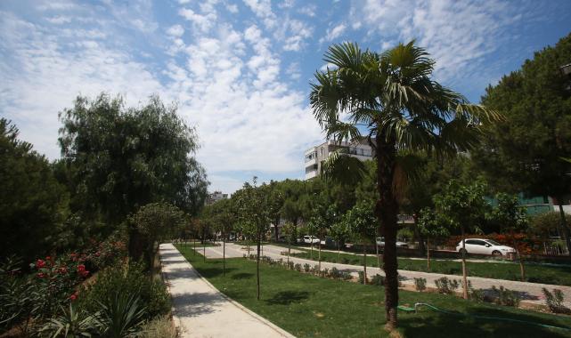 Karabağlar'ın yeni parkı beğeni topladı